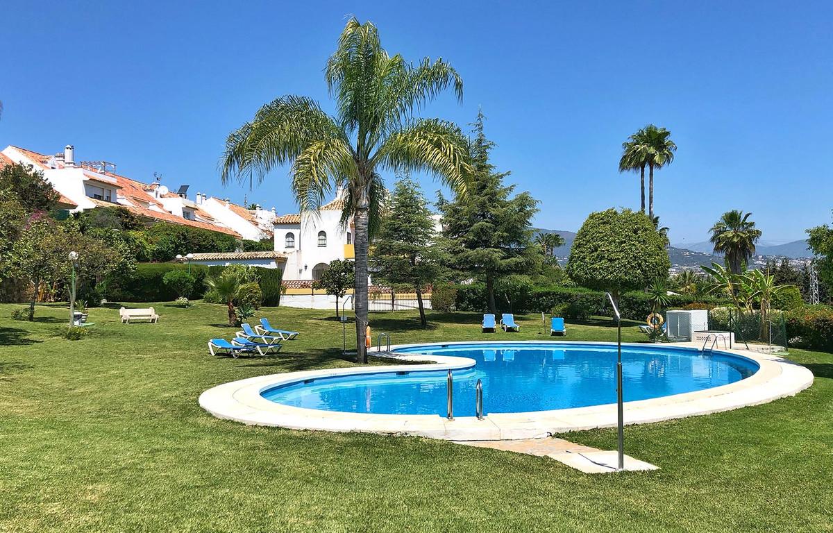 Townhouse in Estepona R3433459