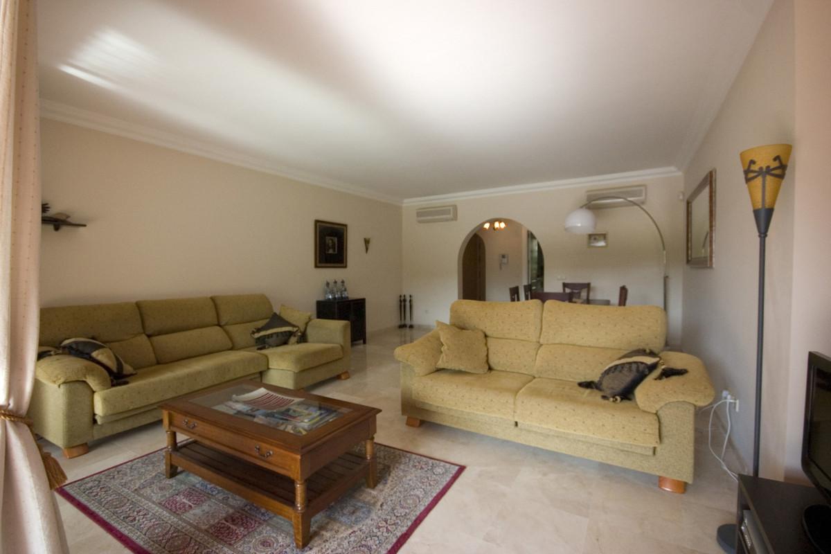 Ground Floor Apartment in La Cala Hills