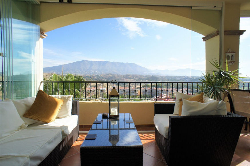 2 Bedroom Middle Floor Apartment For Sale La Cala Hills
