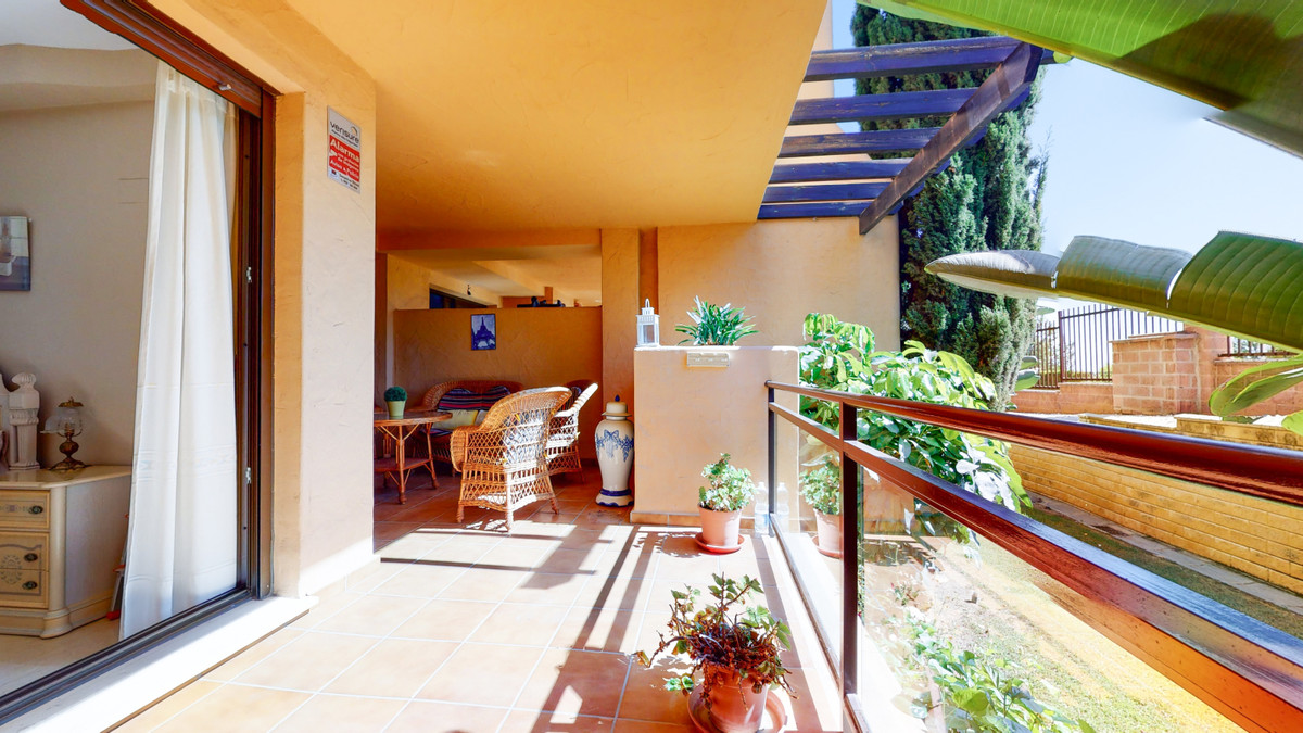 Spacious ground floor apartment with 2 bedrooms and 2 bathrooms (one of them en suite) for sale in a,Spain