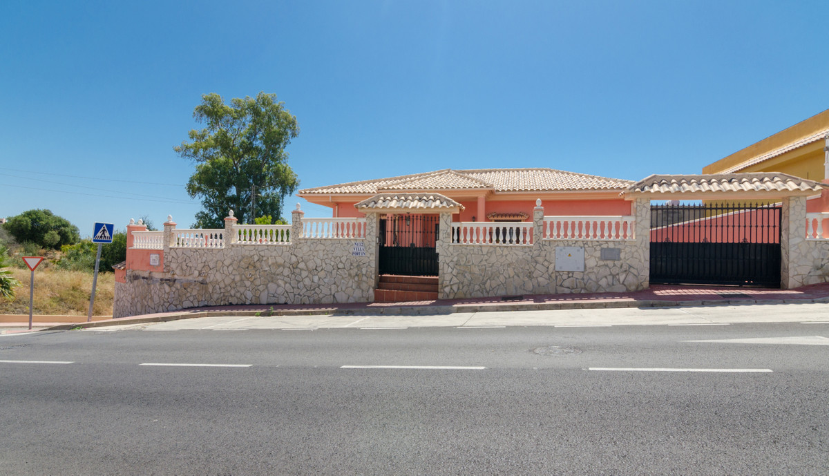 House in Arroyo de la Miel R3884413 1