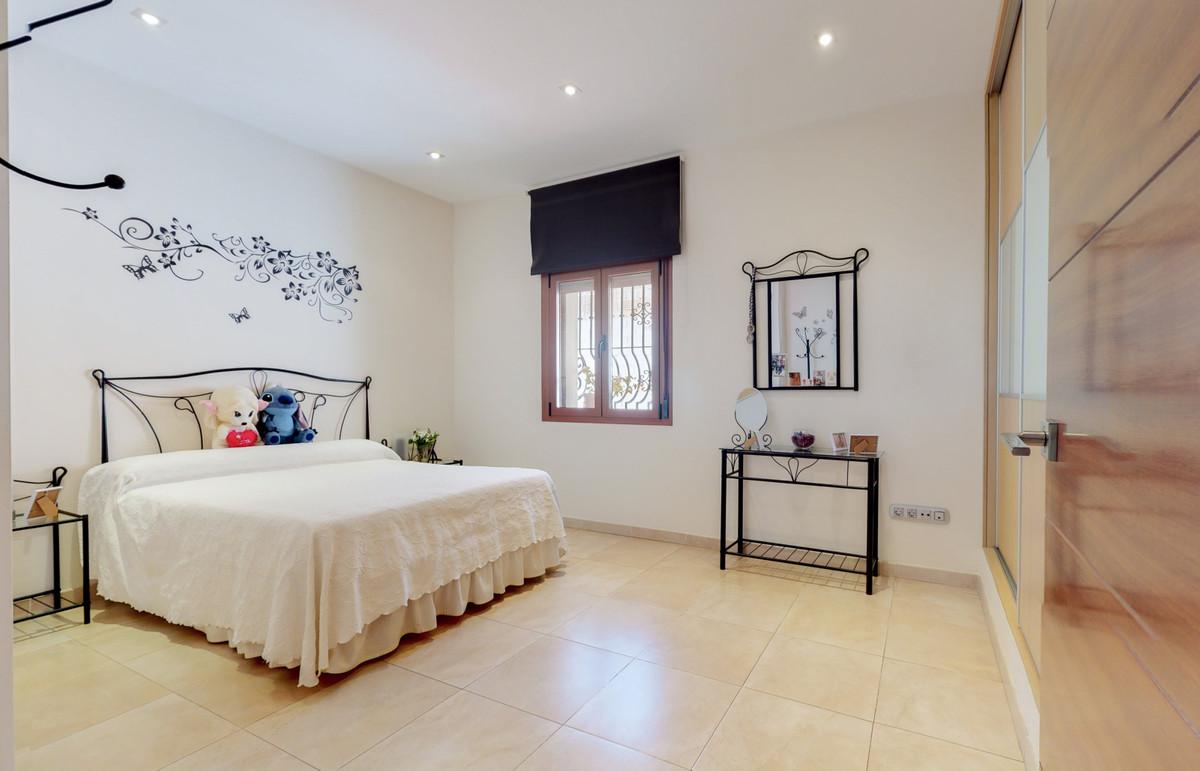 House in Arroyo de la Miel R3884413 3