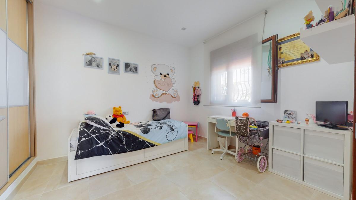 House in Arroyo de la Miel R3884413 4