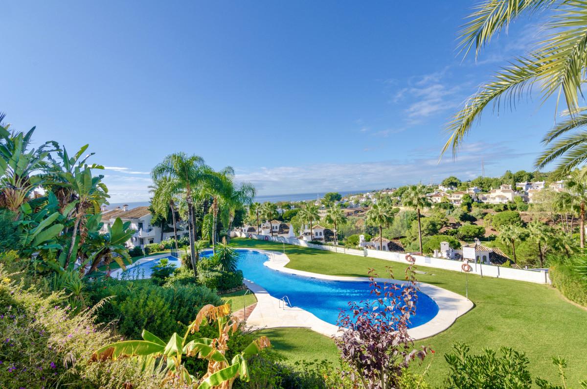 Ground Floor Apartment, Calahonda, Costa del Sol. 2 Bedrooms, 2 Bathrooms, Built 101 m².  Setting : ,Spain
