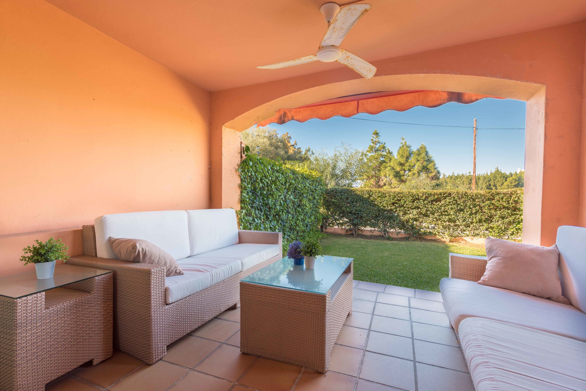 GREAT OPPORTUNITY: SEMI-DETTACHED 4 BED HOUSE OVERLOOKING GOLF IN RESERVA DE LOS MONTEROS.  Nice sol,Spain