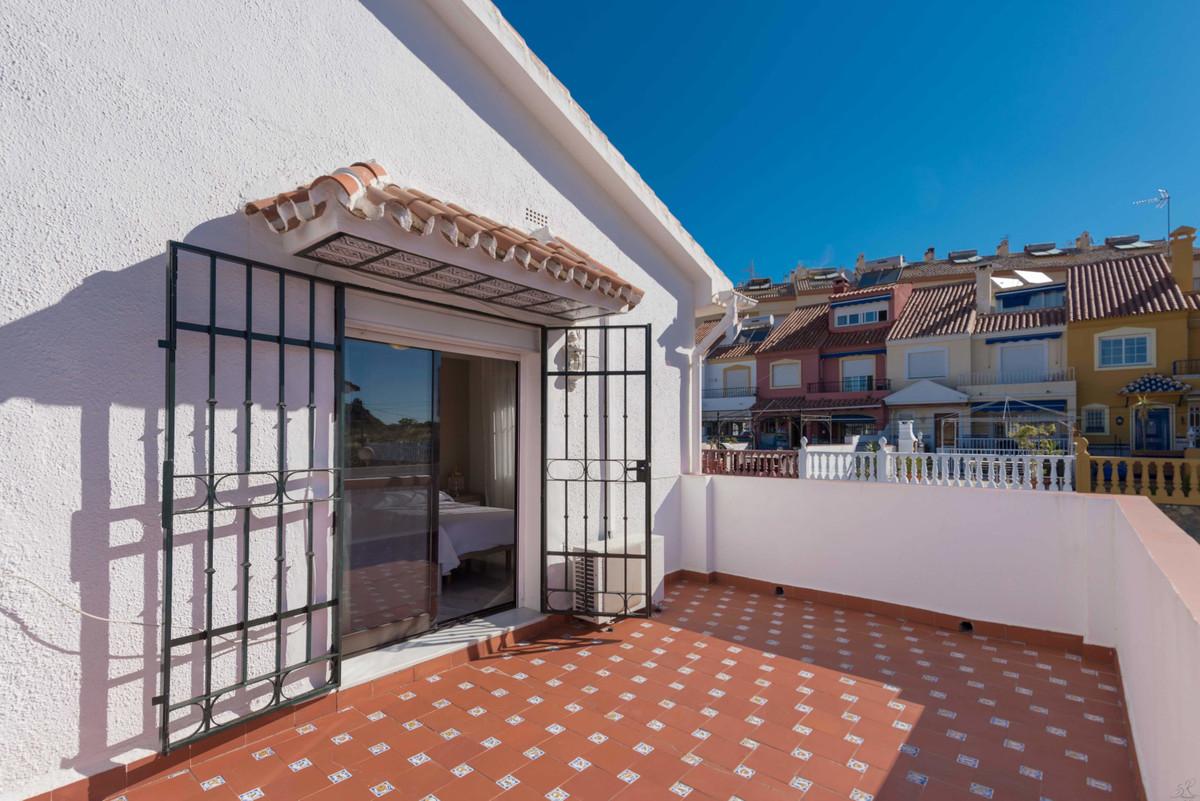 Villa con 4 Dormitorios en Venta Fuengirola