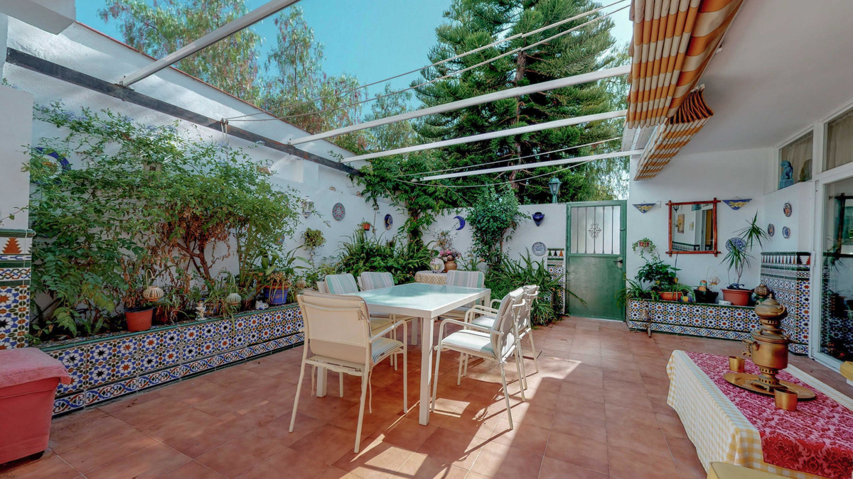 3 Bedroom Semi-Detached House For Sale Marbella, Costa del Sol - HP3520852