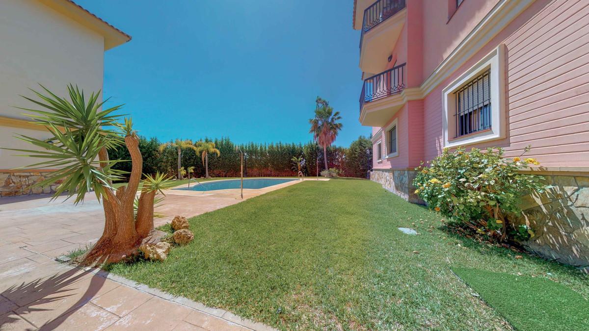 Ground Floor Apartment in Fuengirola R3446299