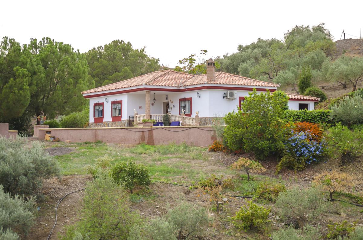 Finca - Cortijo for sale in Almogía R3530125