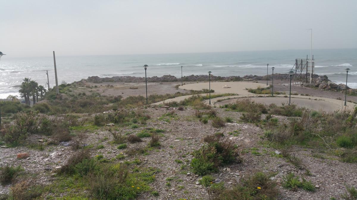 FRONT BEACH LINE PLOT FOR INDEPENDENT VILLA, VELEZ-MALAGA  • Urban plot in Velez-Malaga, sea front. ,Spain