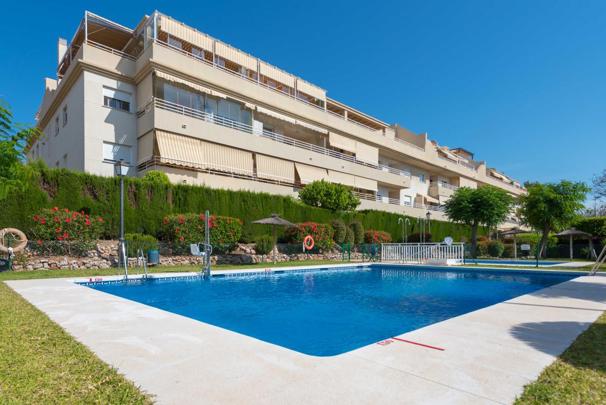 Middle Floor Apartment, Churriana, Costa del Sol. 2 Bedrooms, 2 Bathrooms, Built 100 m², Terrace 12 ,Spain
