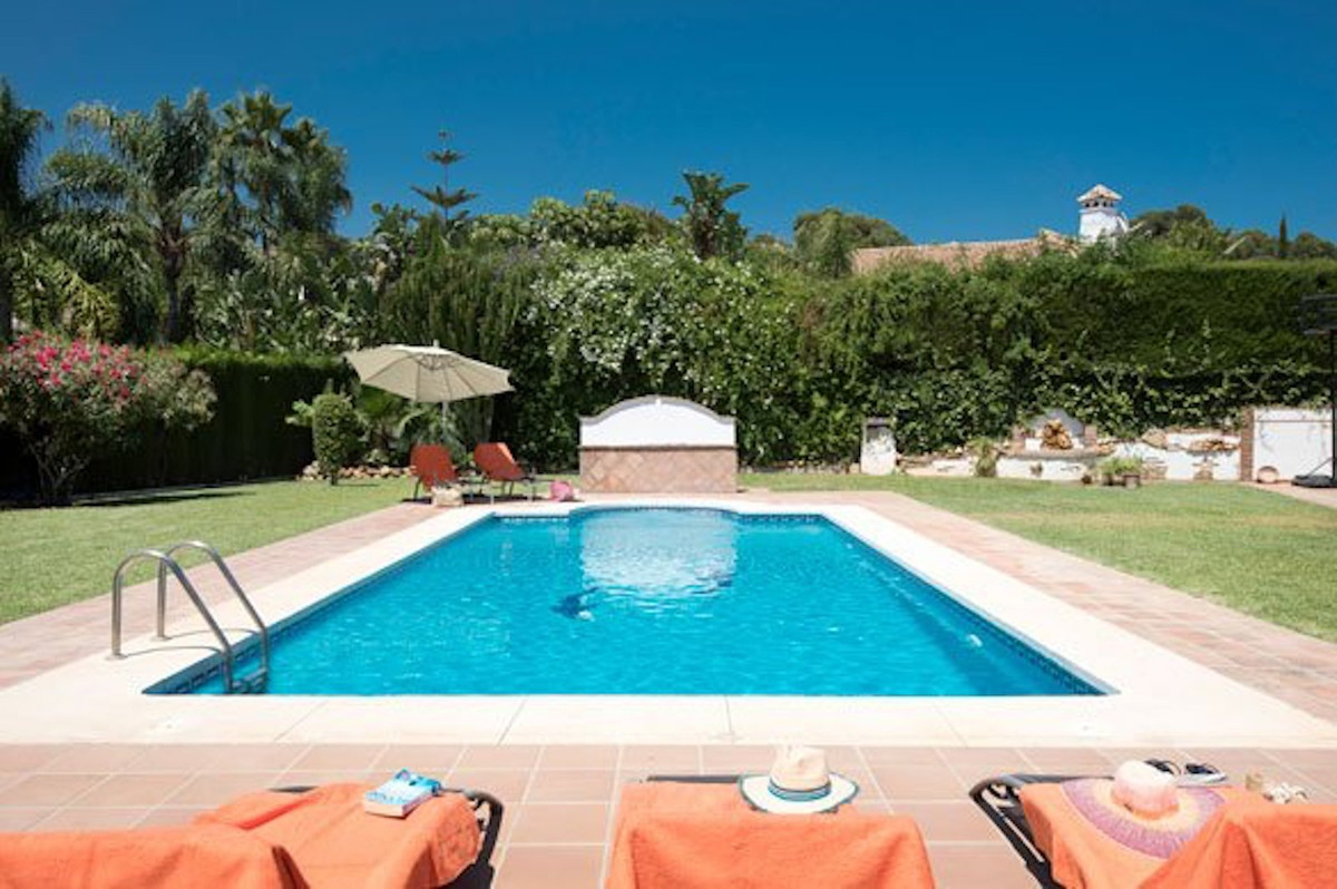 This magnificent villa is located in the prestigious and highly sought after urbanization of La Sier,Spain