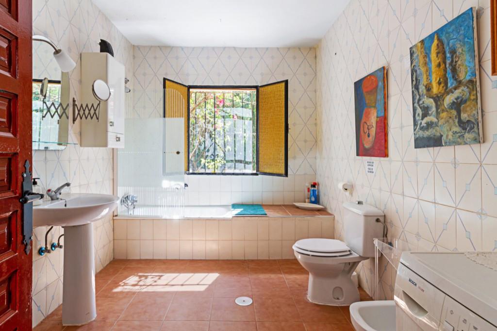 House in Alhaurín de la Torre R3764362 24