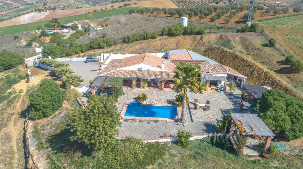 Finca - Cortijo for sale in Alora R3921823