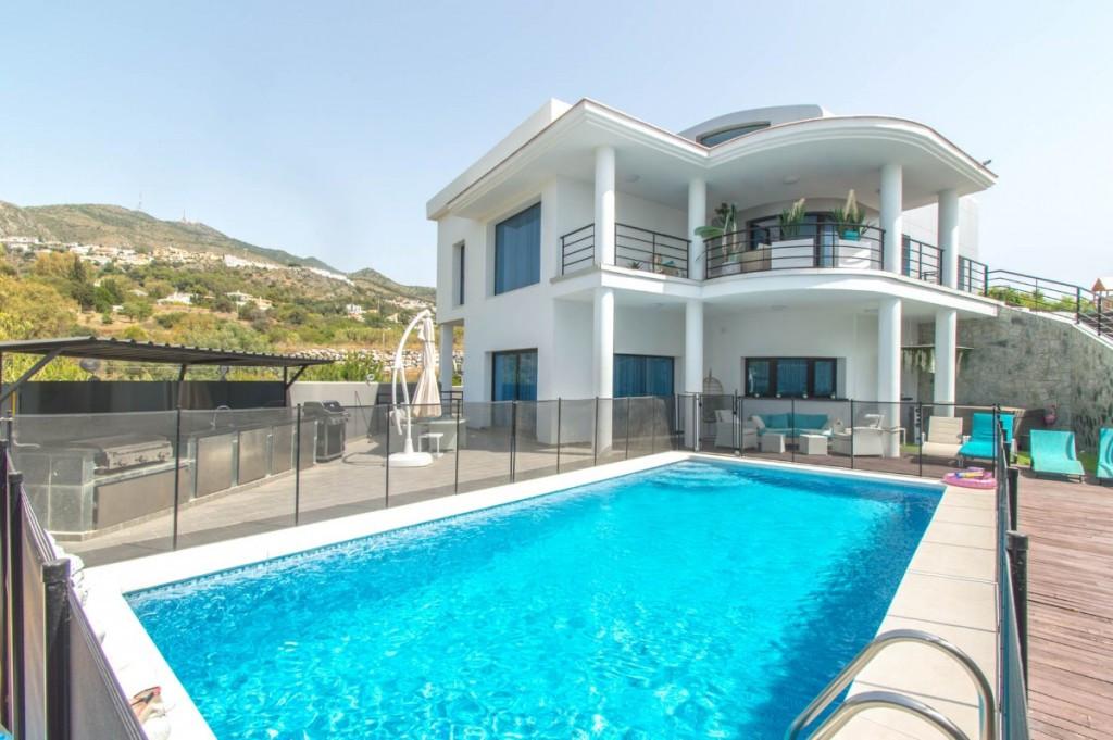 Detached Villa for sale in Benalmádena R3459151