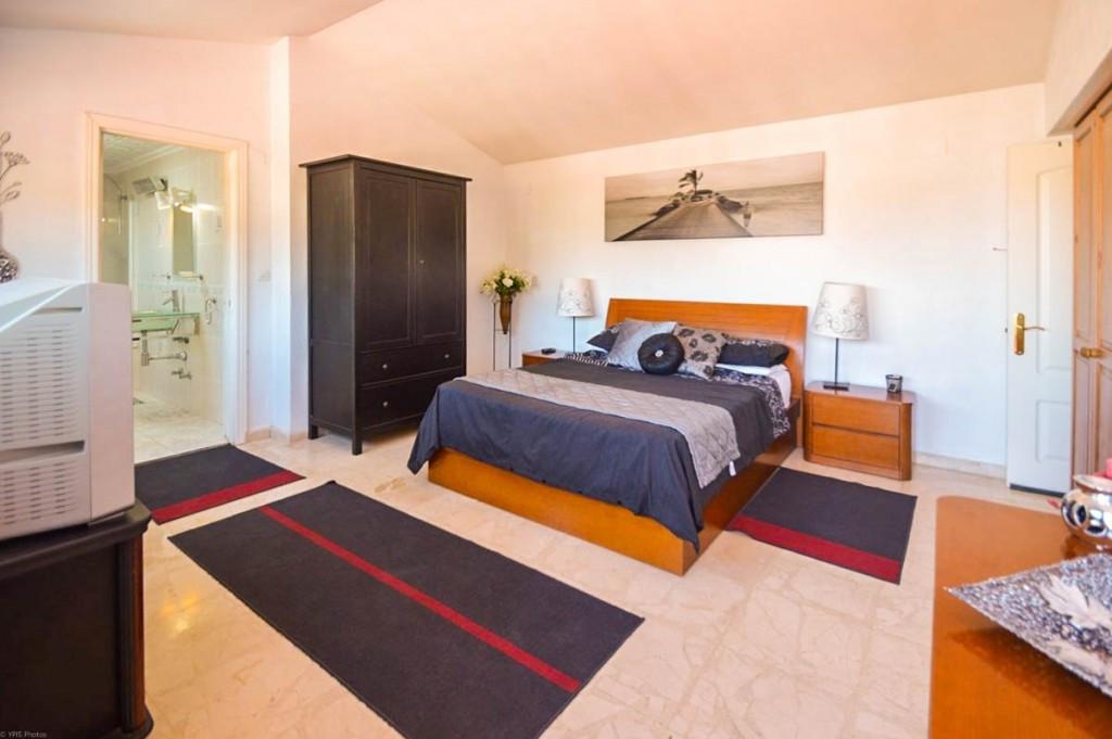 House in Alhaurín de la Torre R206453 8