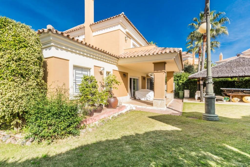 Villa for sale in Santa Clara