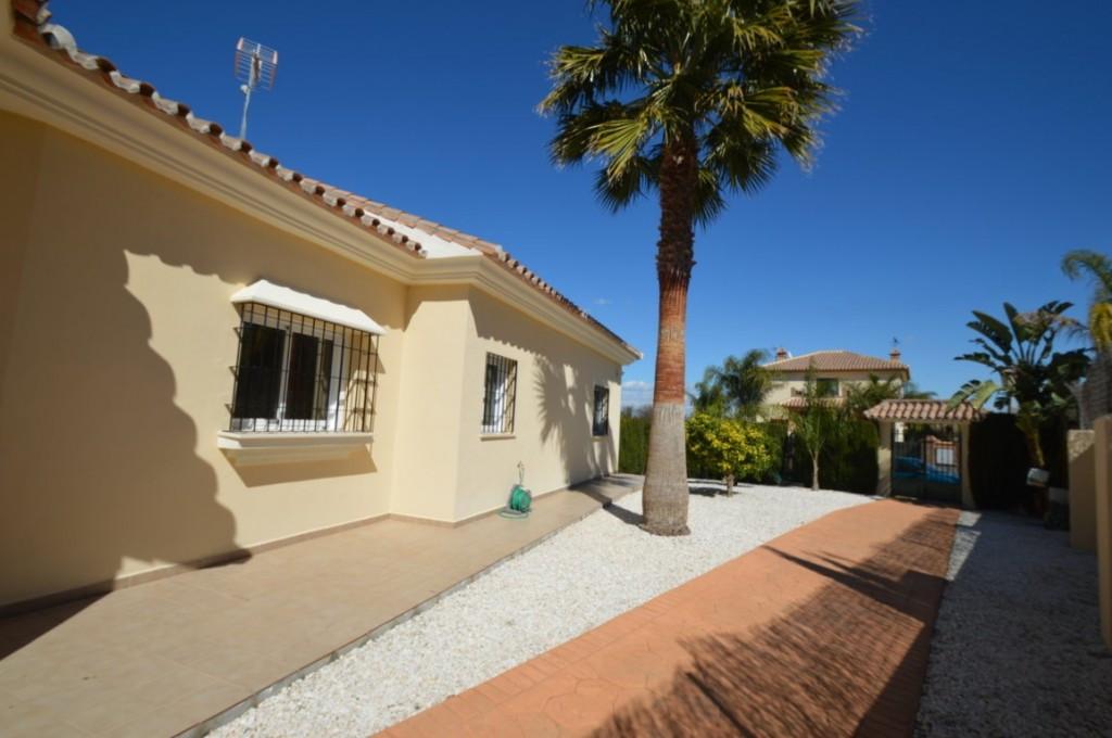 House in Alhaurín el Grande R2612201 4