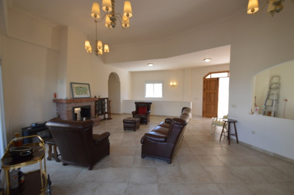 House in Alhaurín el Grande R2612201 5