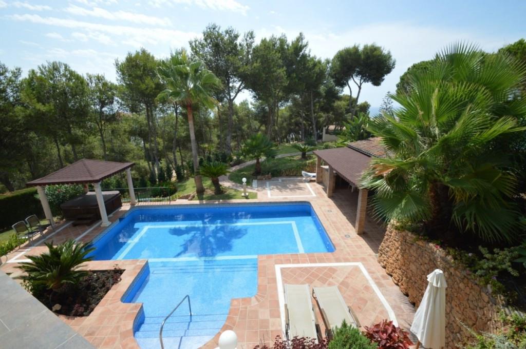 Detached Villa for sale in Marbella R2028401