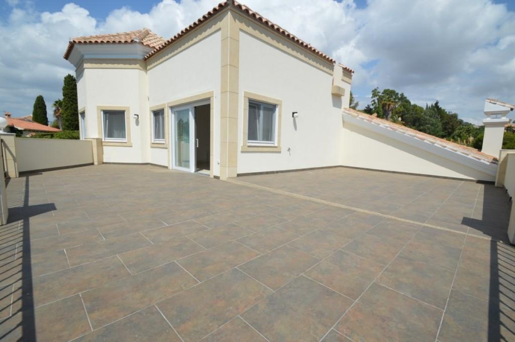 Villa Detached in Hacienda Las Chapas, Costa del Sol