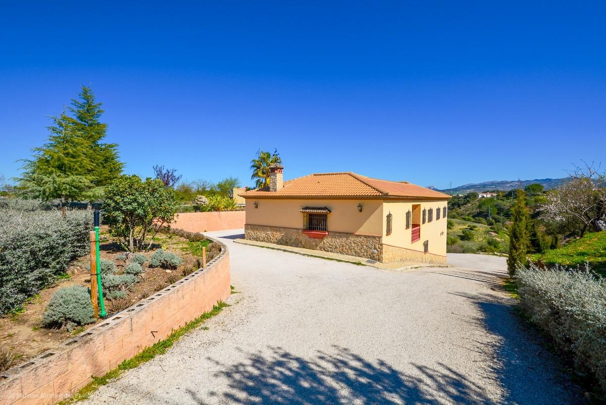 House in Ronda R2876174 8