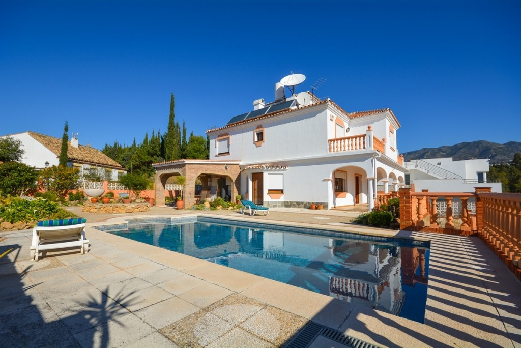 Detached Villa for sale in Mijas Costa R2661083
