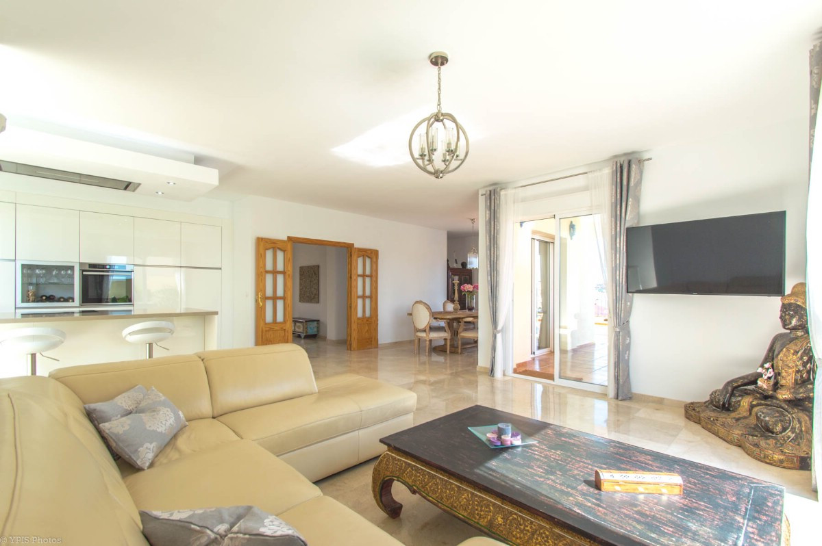 House in Torrequebrada R3265798 12