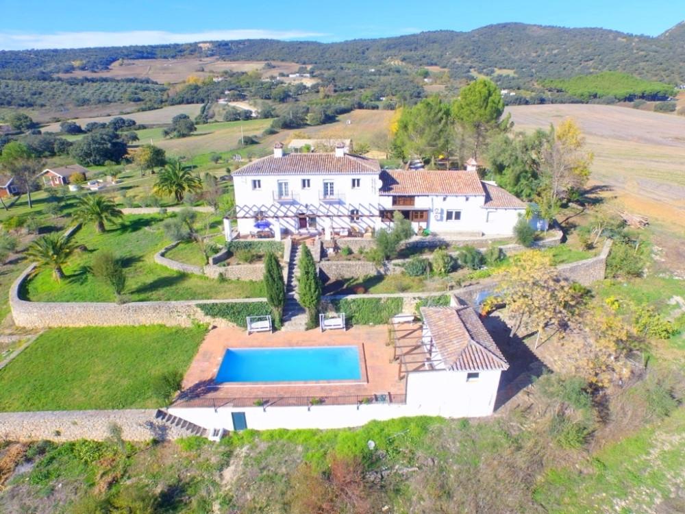 Villa 10 Dormitorios en Venta Ronda