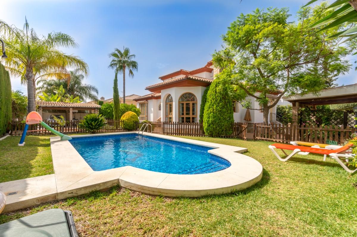 Freistehende Villa in Alhaurín de la Torre R3469666