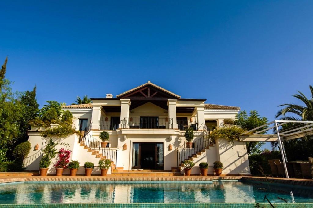 Detached Villa for sale in Benahavís R3023222