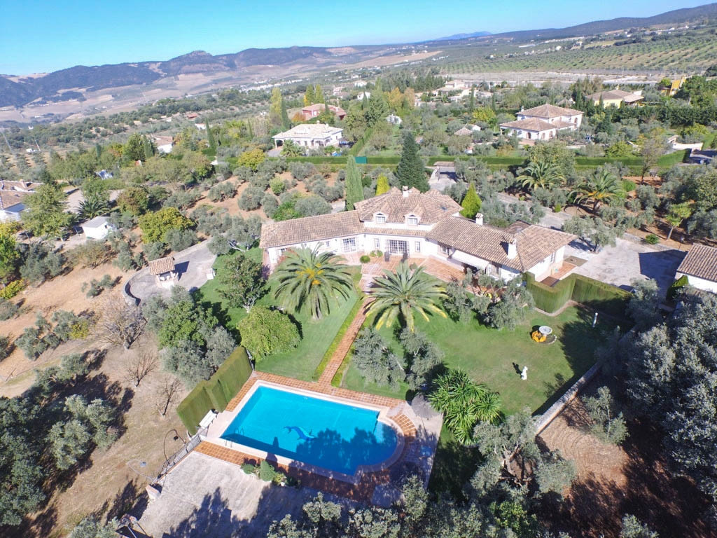 Villa 4 Dormitorios en Venta Ronda
