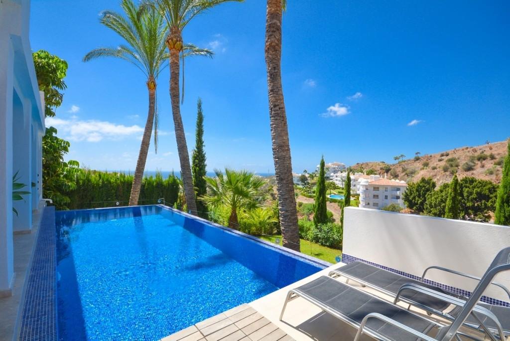 Detached Villa for sale in Calahonda R2746040