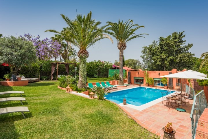 Commercial  Bed and Breakfast for sale   in Marbella