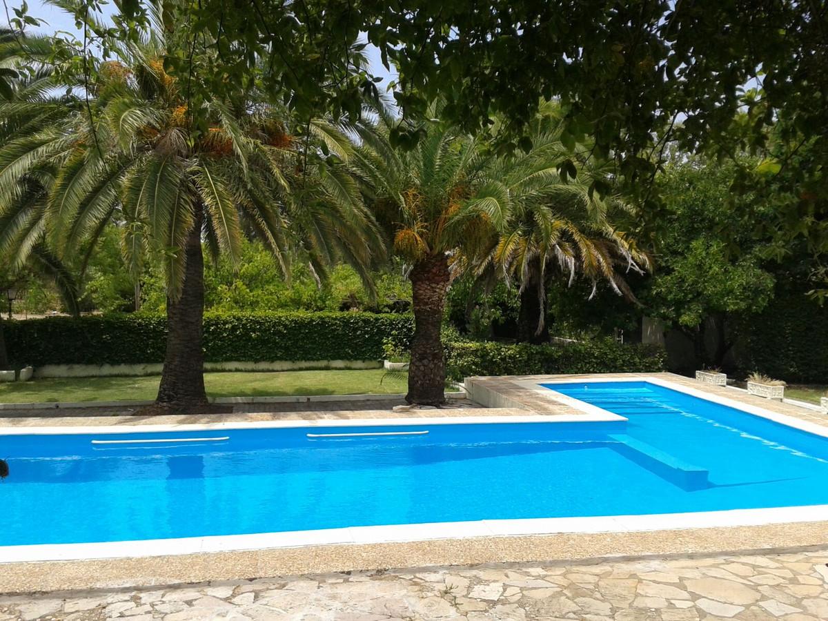 Villa con 6 Dormitorios en Venta Ronda