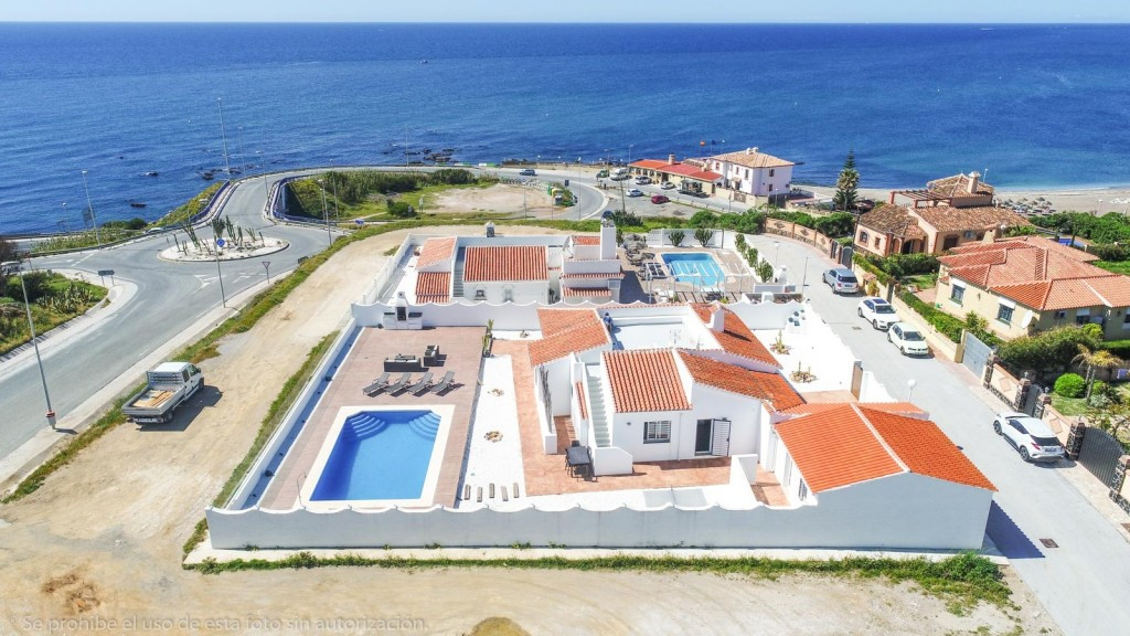 PRICE REDUCED FOR A QUICK SALE FROM 749.000€ TO 660.000€.  Fabulous Villa on one floor, totally reno,Spain