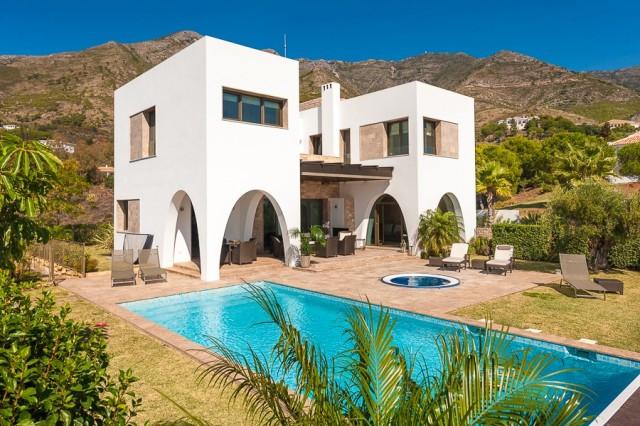 Villa - Chalet en Valtocado R2811434
