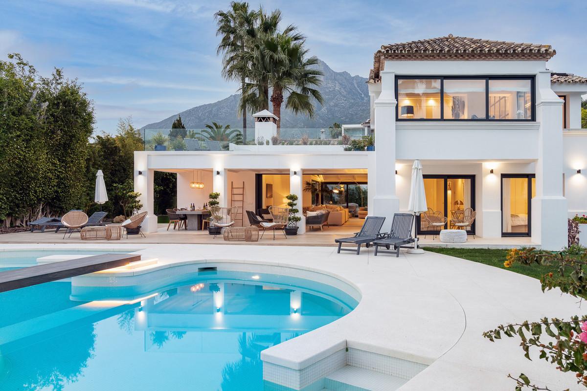 4 bedroom villa for sale nagueles