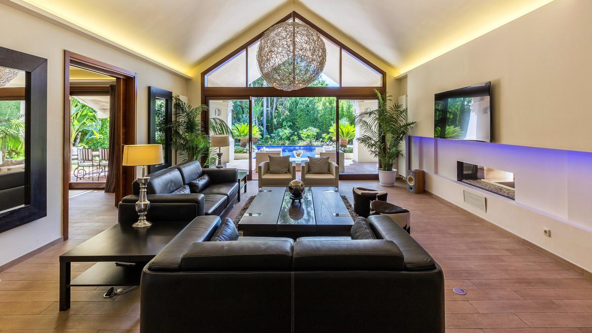 House en Aloha R3619352 3