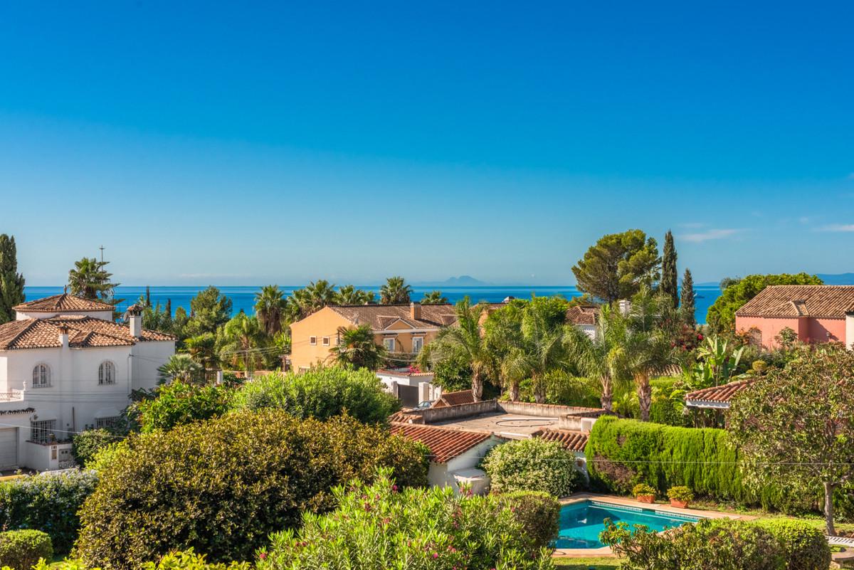Villa te koop in Marbella R3848188