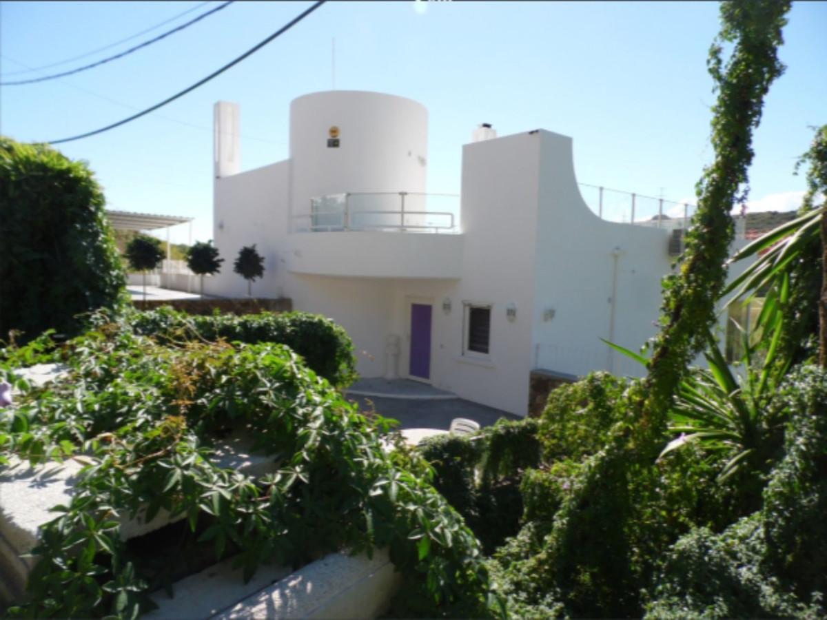 Superb Villa with Panoramic Views and Pool, Estepona