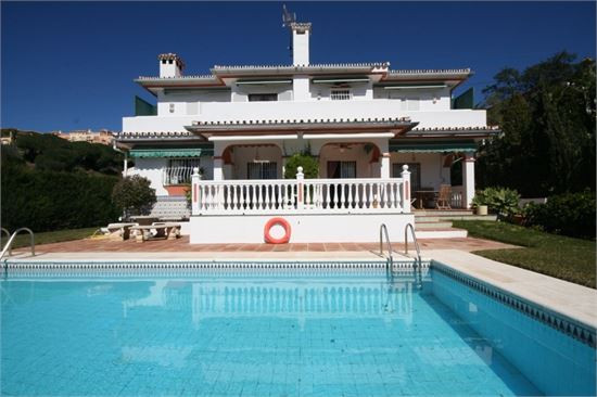 Villa inondée de soleil sur la Costa del Sol
