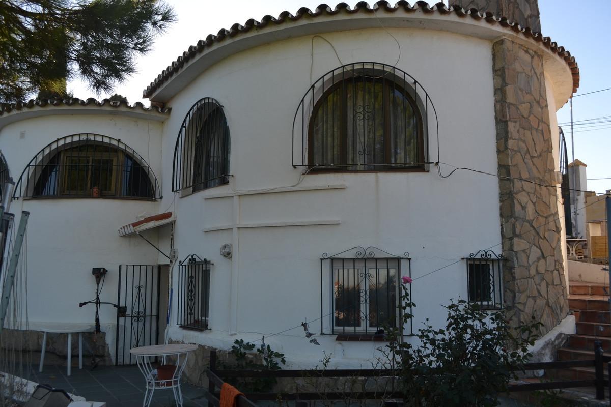 Villa, Individuelle  en vente    à Estepona