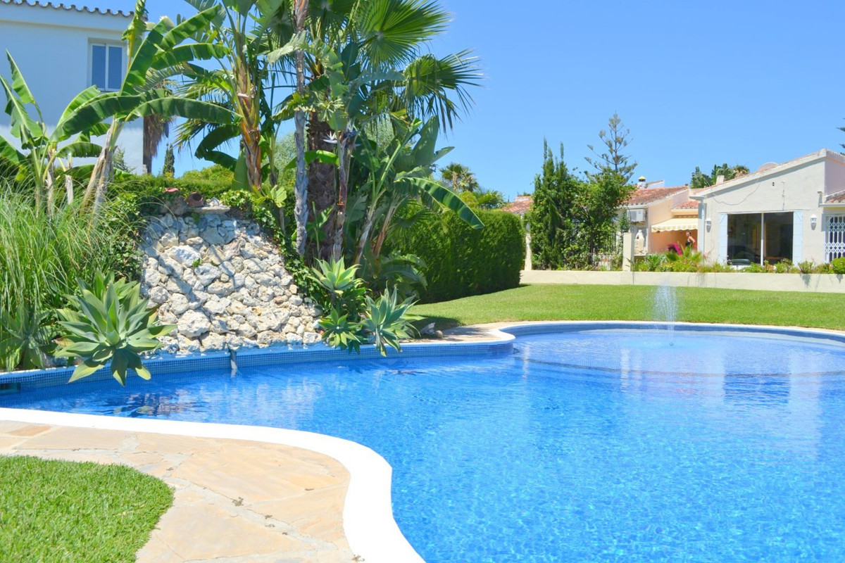 Delightful 5 bed villa - Estepona and Puerto Banus