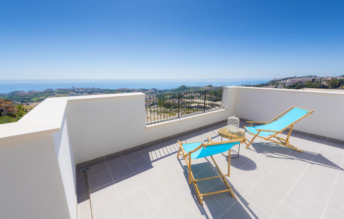 Beautiful apartment near Malaga and 3 golf courses