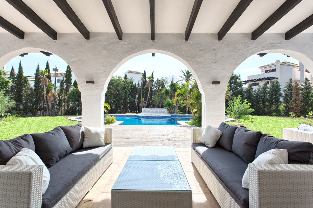 Large family estate - 10 minutes to Puerto Banus