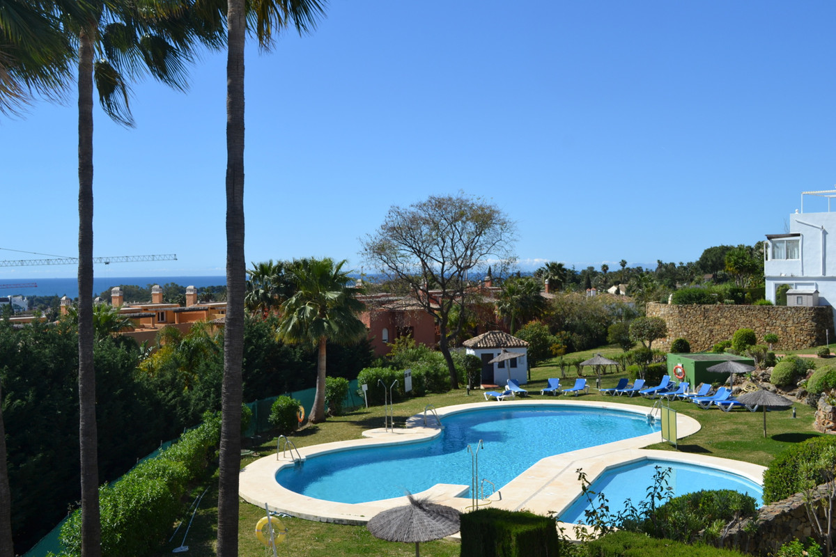 Golf course and great sea views! Perfect combination