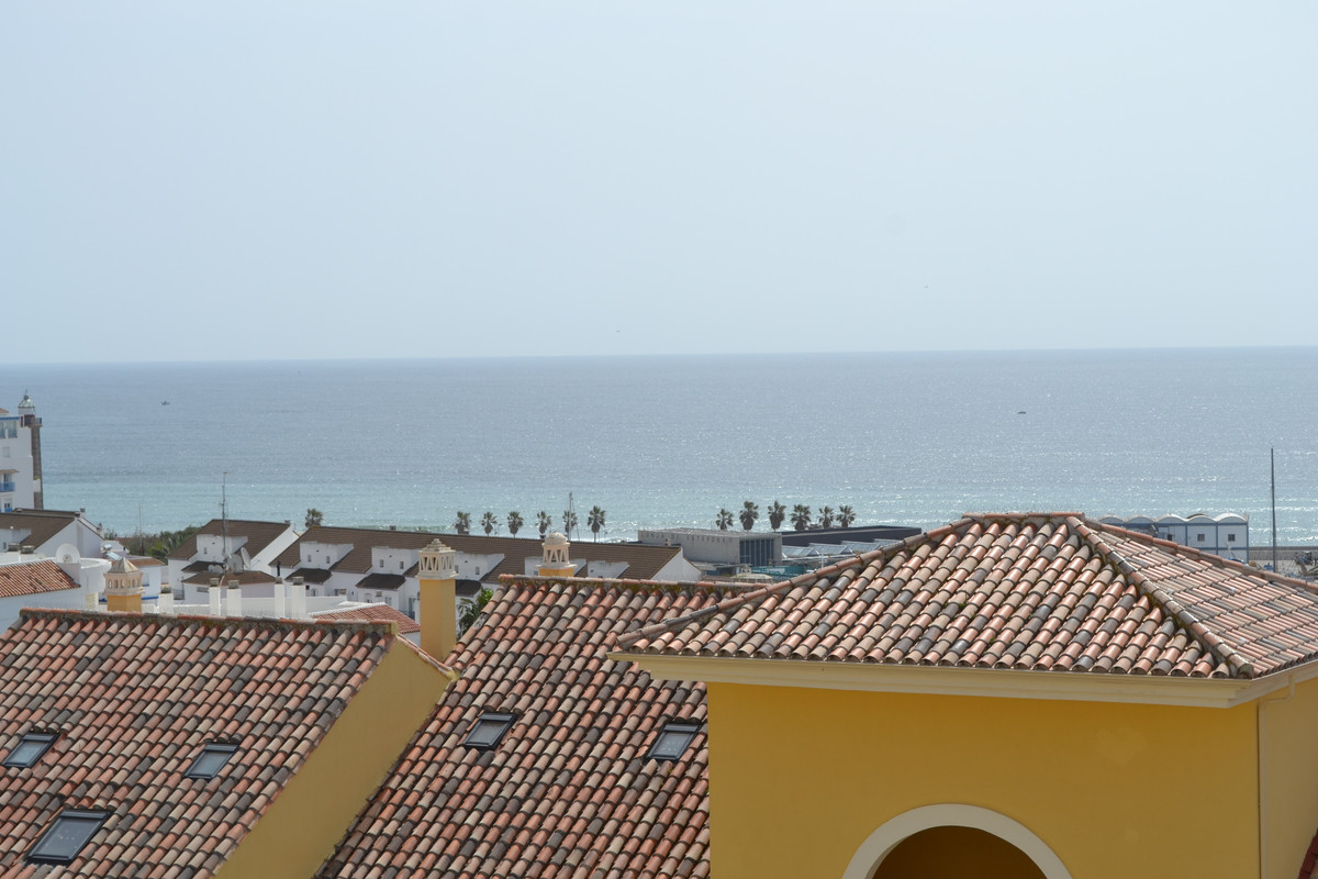 REDUCED BY 40,000€ this Amazing Duplex Penthouse Apartment is located just above the BEAUTIFUL ESTEP,Spain