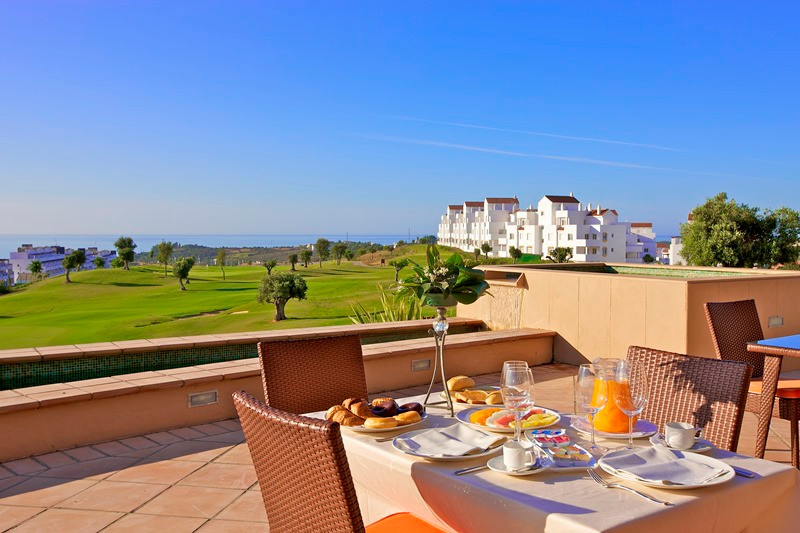Incredible value on popular golf resort!