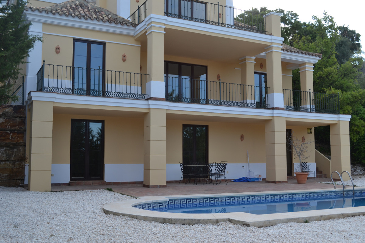 CLASSIC MEDITERRANEAN VILLA WITH VIEWS OF SEA, GOLF AND MOUNTAINS.  This elegant 4-bed, 4-bath villa,Spain